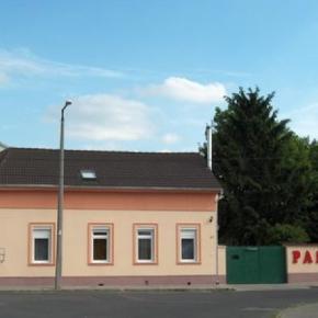 Albergues - Jade House