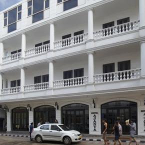 Albergues - Hotel Ajanta