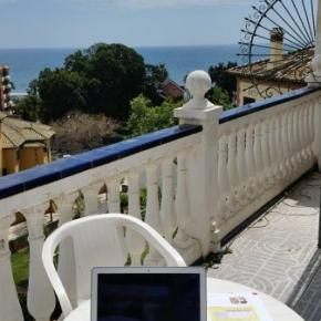 Albergues - Malaga Beach and Center Backpackers