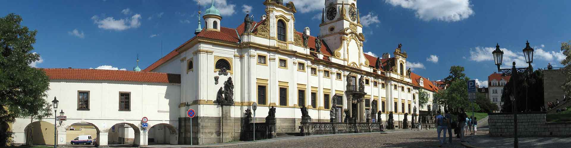 Praga - Albergues cerca a Loreta. Mapas de Praga, Fotos y Comentarios para cada Albergue en Praga.