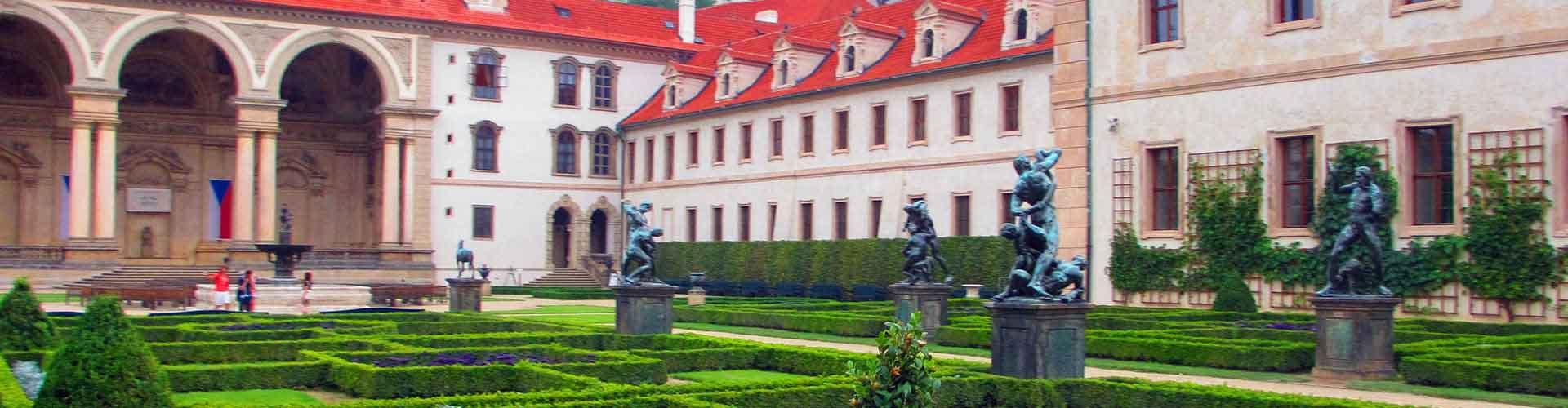 Praga - Albergues cerca a Palacio Wallenstein. Mapas de Praga, Fotos y Comentarios para cada Albergue en Praga.