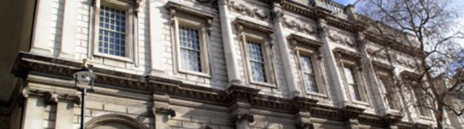 Londres - Albergues cerca a Banqueting House. Mapas de Londres, Fotos y Comentarios para cada Albergue en Londres.