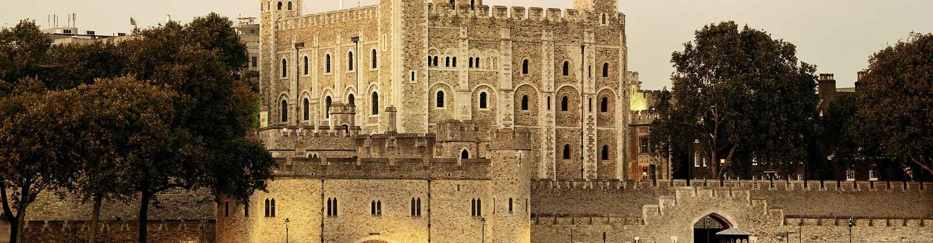 Londres - Albergues cerca a Torre de Londres. Mapas de Londres, Fotos y Comentarios para cada Albergue en Londres.