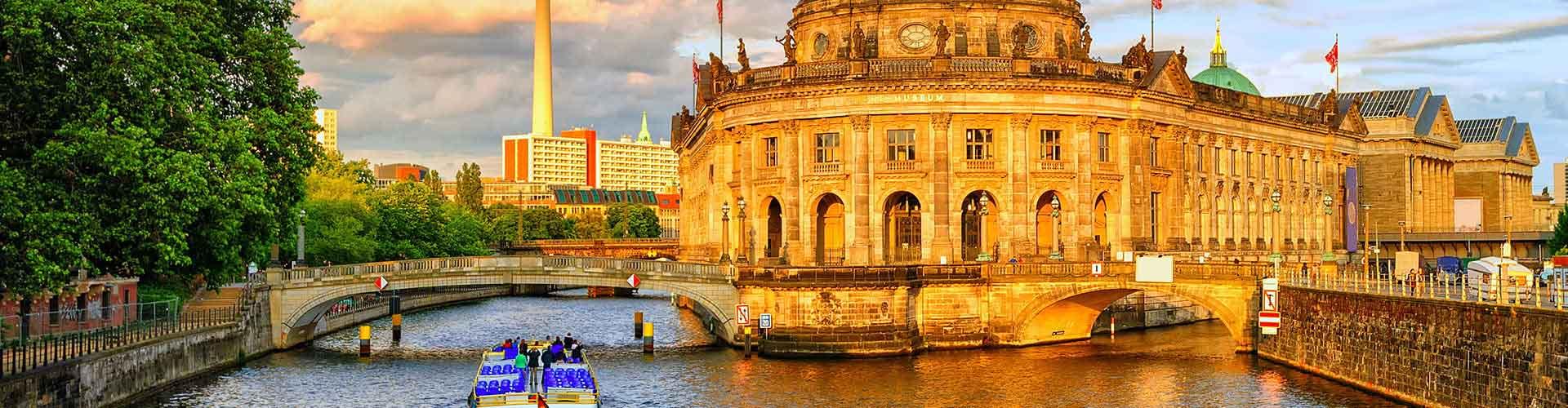Berlín - Albergues en el distrito Lichtenberg . Mapas de Berlín, Fotos y Comentarios para cada Albergue en Berlín.