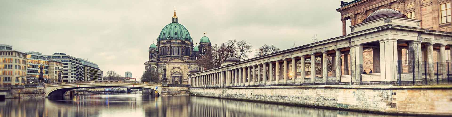Berlín - Albergues cerca a Berliner Dom. Mapas de Berlín, Fotos y Comentarios para cada Albergue en Berlín.