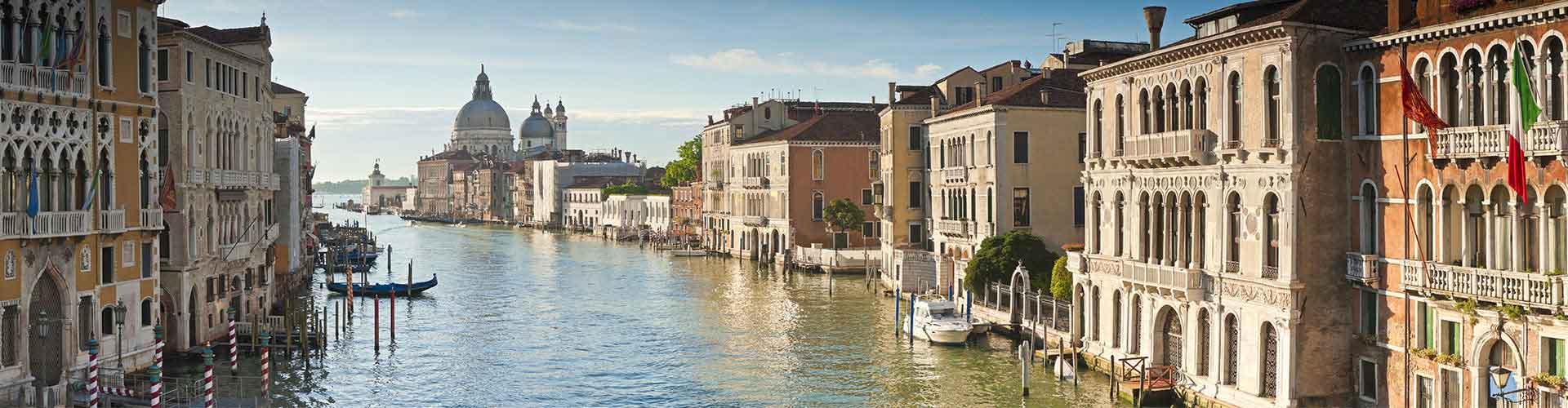 Venecia - Albergues en el distrito Dorsoduro, S. Polo, S. Cruz, de la Giudecca, Sack Fisola . Mapas de Venecia, Fotos y Comentarios para cada Albergue en Venecia.