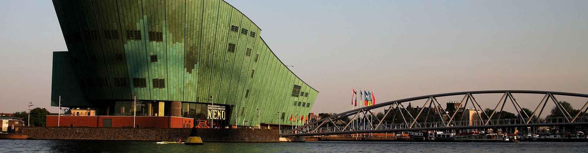Amsterdam - Albergues cerca a NEMO. Mapas de Amsterdam, Fotos y Comentarios para cada Albergue en Amsterdam.